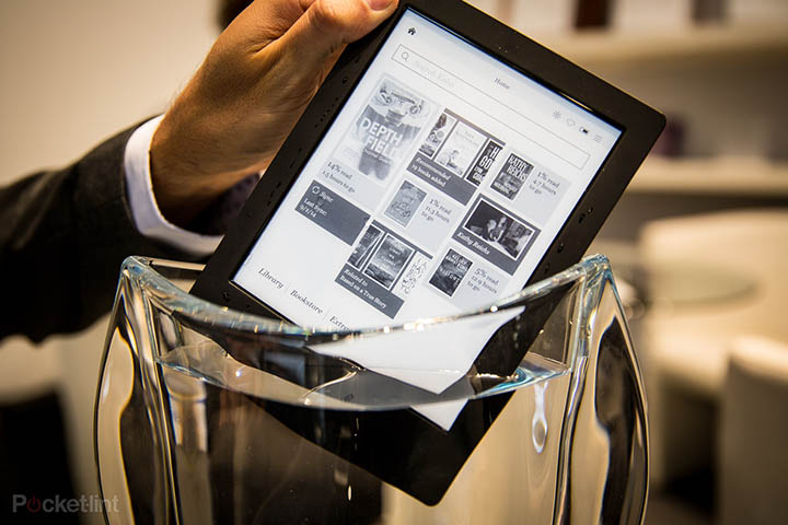 The Kobo Auro H2O keeps your digital books dry
