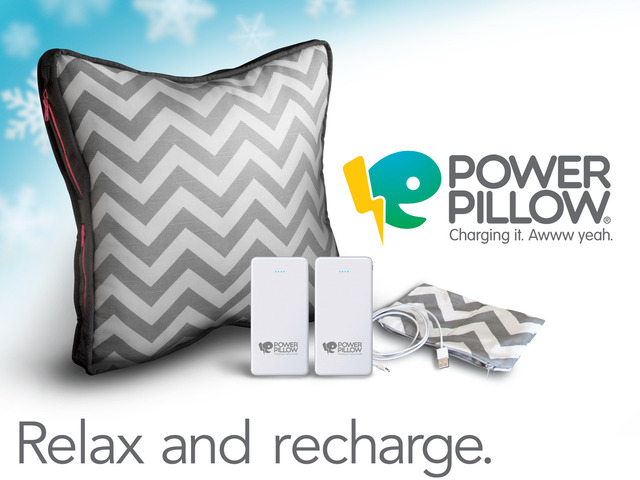The quality Power-Pillow has two side zipped poches for storing one or two 12000 mAh batteries