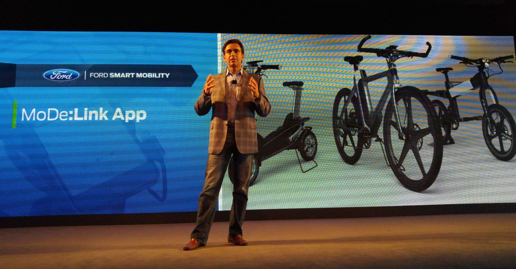 Ford CEO and President Mark Fields introducing MoDe:Flex E-Bikes with flashing handles telling you when to turn