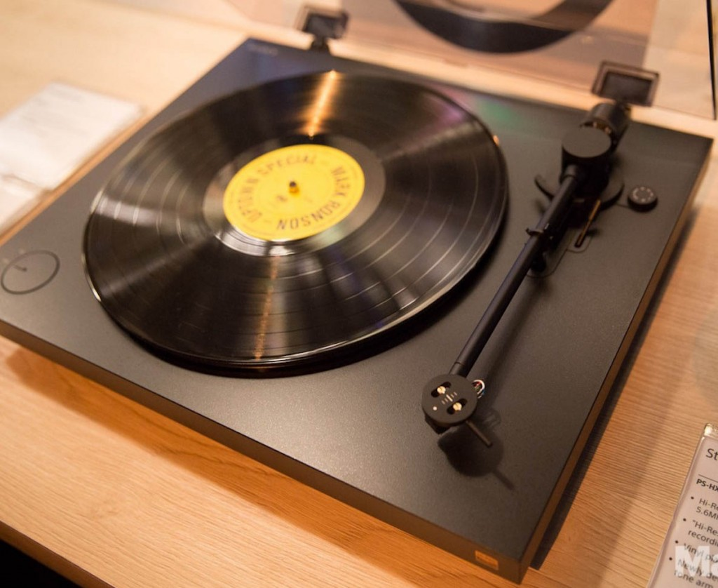 The Sony high end Turntable digitizes vinyl music with USB connectivity