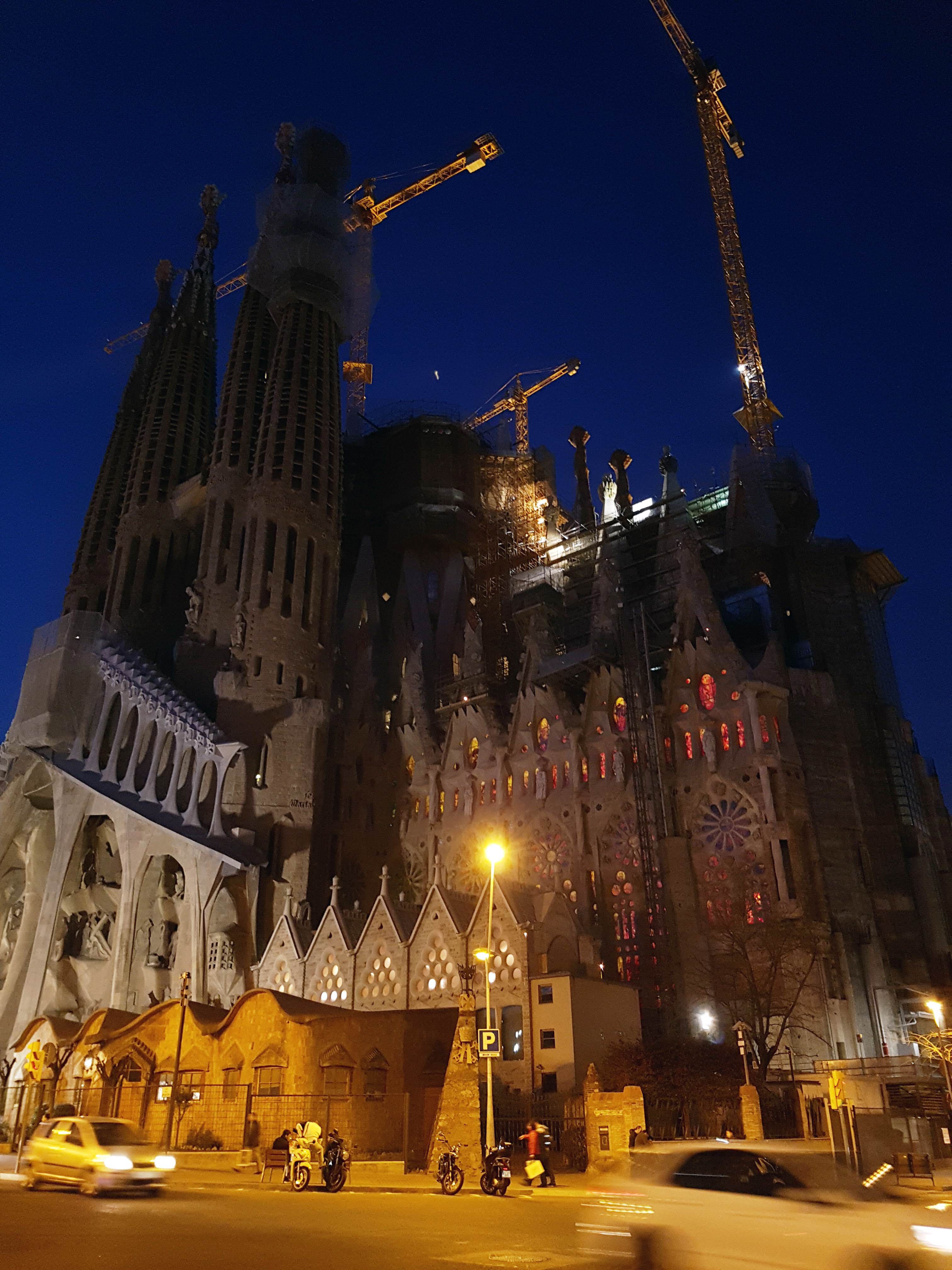 Don't let the night keep you from filling your bucket list with great pictures. Sagrada Familia at dusk 1/15 sec f1.7 ISO 200